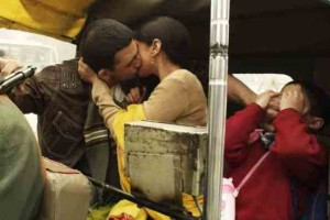 Arunoday Singh and Aditi Rao Hydari Kissing