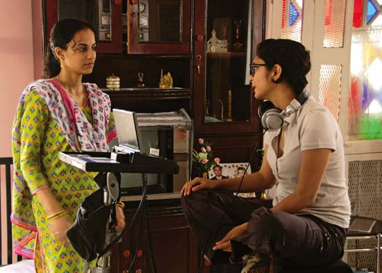 Kriti Malhotra and Kiran Rao in Dhobi Ghat