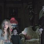 Meet the family in the movie Dark Shadows