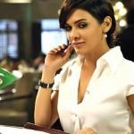 Sara Loren fantasising about Randeep's big... snake? in Murder 3