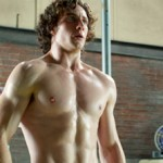 Aaron Taylor-Johnson turns from geeky to beefy in Kick-Ass 2
