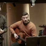 Oscar Isaac, Justin Timberlake and Adam Driver record a song in Inside Llewyn Davis