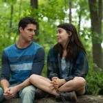 Robbie Amell and Mae Whitman in The DUFF