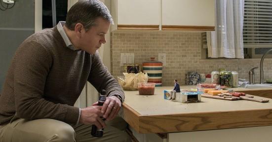Matt Damon and Jason Sudeikis (S) in Downsizing